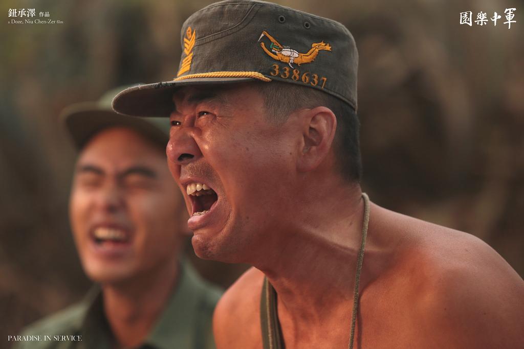 《甄嬛傳》的皇上陳建斌投胎轉世,變成了軍中樂園的老兵,每場戲仍然爐火純青。