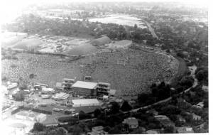 演唱會開始前兩小時,已有數十萬人到場,是東德史上最龐大的人民集會。